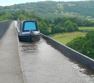 Crossing the Pontcysyllte Aqueduct