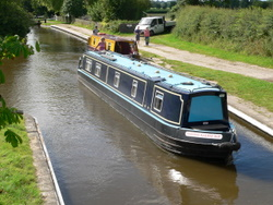 Cruising the 6 berth canal boat down the Llangollen canal