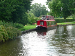 Passing other canal boats
