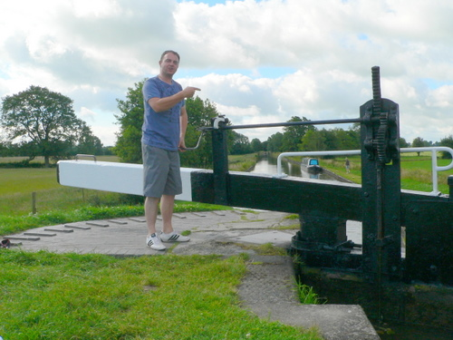 Operating the lock on the Llangollen canal